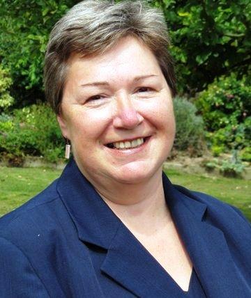Lesley Arnold-Hopkins